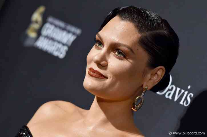 Jessie J Breaks Down in Tears While Detailing Her Painful Throat Condition: 'It's Been Hard Not Singing'