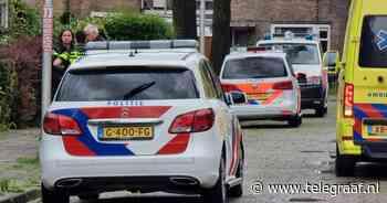 Schoten in woning Leeuwarden: man overleden, vrouw gewond in ziekenhuis - Telegraaf.nl