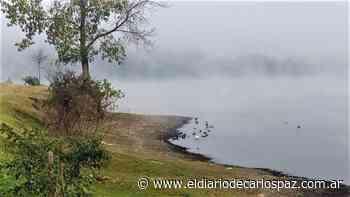 Postales de un día gélido: la neblina cubrió el lago San Roque - El Diario de Carlos Paz