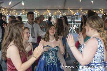 Midland High School Class of 2021 senior prom - Midland Daily News