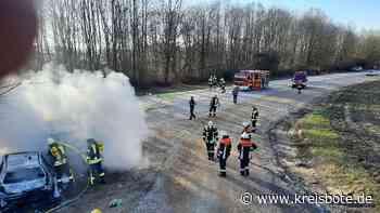 Fahrzeugbrände in Egenhofen: Zeugenaufruf führt zur Ermittlung von drei Verdächtigen - Kreisbote