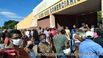 Dia de vacinação causa aglomerações em Juazeiro do Norte - Diário do Nordeste