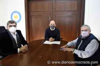 Se firmó el convenio del Programa Municipios de Pie para Bragado - Diario Democracia