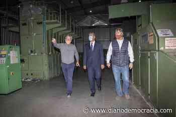 Jorge Capitanich recorrió una firma textil en Bragado - Diario Democracia