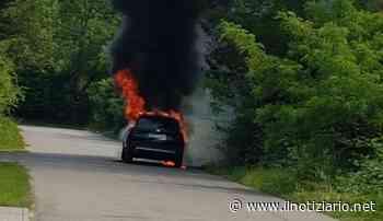 Cogliate, auto prende fuoco sulla provinciale verso Barlassina - Il Notiziario - Il Notiziario