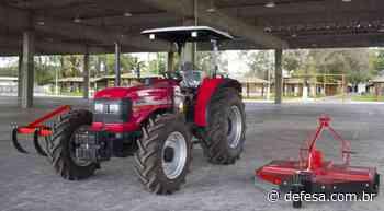 Governo do Estado entrega trator e equipamentos agrícolas para Itabuna - Defesa - Agência de Notícias