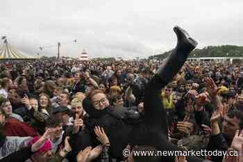 Metal fans mosh at 1st UK live music festival since pandemic - NewmarketToday.ca