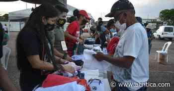 Voluntários promovem 'Dia do Amor' com moradores de rua em Manaus | Manaus - A Crítica