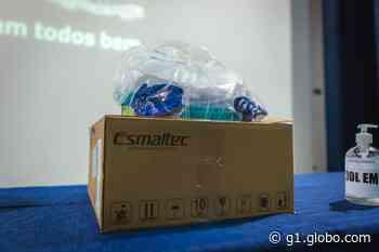 Prefeitura de Uberaba recebe doação de mais capacetes Elmo - G1