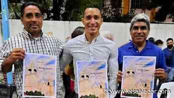 ¡GRANDES! Apopa homenajeó a sus hijos predilectos del fútbol - elsalvador.com