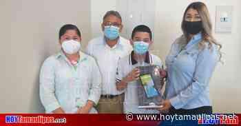 Tamaulipas Entregan tabletas para estudiantes de Matamoros - Hoy Tamaulipas