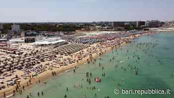 Caldo africano in Puglia, a Bari spiagge prese d'assalto da nord a sud: ressa a Pane e Pomodoro e San Fran... - La Repubblica