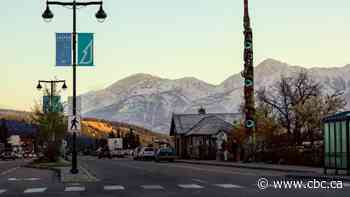 Visitors to downtown Jasper, Alta., will have to pay for street parking beginning in July - CBC.ca