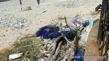 Villa San Giovanni, bisogna ancora fare i conti con la pulizia spiagge a Cannitello - ReggioToday