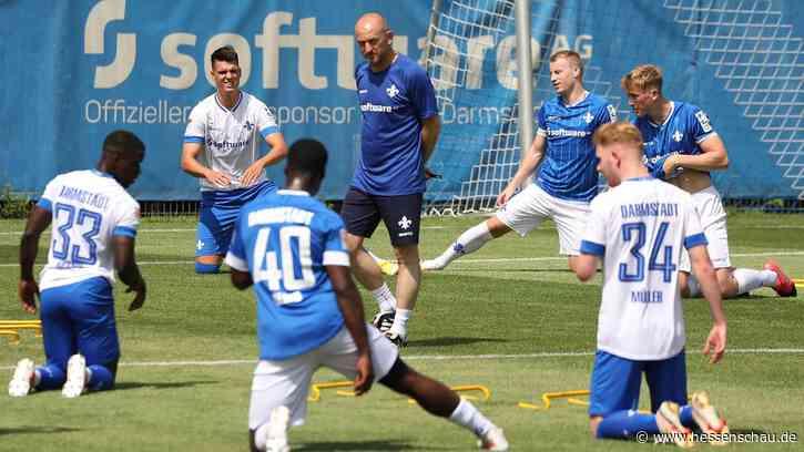 Darmstadt 98: Lieberknecht leitet erstes Lilien-Training | hessenschau.de | SV Darmstadt 98 - hessenschau.de