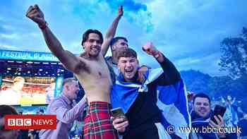 In pictures: Scotland fans celebrate England result