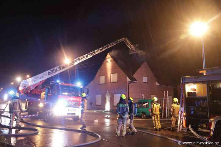 Brand na blikseminslag op huis