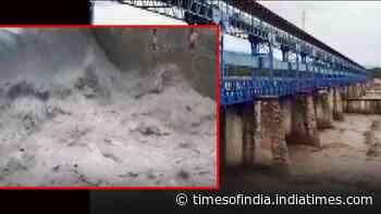 Uttarakhand: Sharda Barrage water level rises following incessant rain
