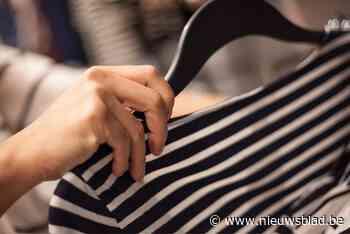 Drie kledingdievegges gevat die meermaals toesloegen