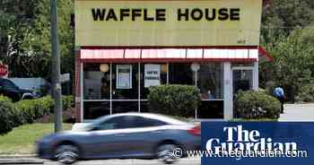 US man spends 15 hours at Waffle House after losing fantasy football bet - The Guardian