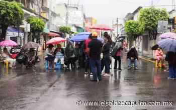 Bloquean personas con discapacidad el paso desnivel en Chilpancingo - El Sol de Acapulco