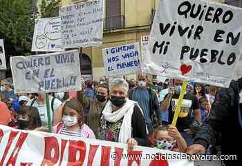 Familias del Pirineo exigen en Pamplona poder elegir centro de Bachillerato - Noticias de Navarra