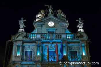 Pamplona ilumina este sábado de azul la fachada de la casa consistorial por el Día del Refugiado - Pamplona actual