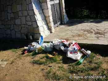 RANICA - I rifiuti ai piedi della Croce - Araberara