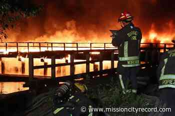 VIDEO: Fire engulfs pier on Surrey side of the Fraser River – Mission City Record - Mission City Record