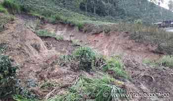 Deslizamientos de tierra tienen bloqueada la vía San Félix, Marulanda en Caldas - W Radio