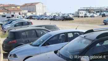 In piazza Viviani è attivo il parcheggio a pagamento - Il Tirreno