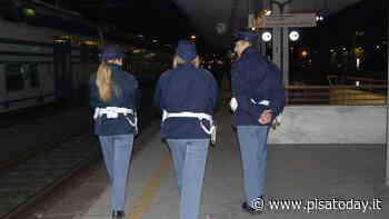 Obliteratrici spaccate a calci alla stazione di Pisa: 30enne denunciato - PisaToday