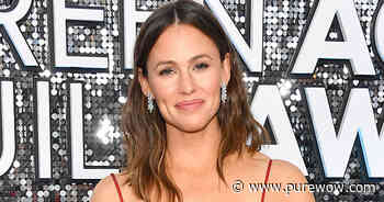 Jennifer Garner Bought a Sweatshirt That Holds Her Cat, and the IG Video Is Truly Iconic - PureWow