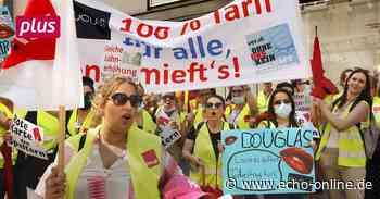 Streik in Darmstadt mit Trommeln und Trillerpfeifen