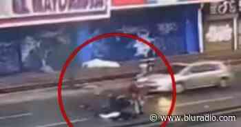 Video: Joven murió arrollado en Bogotá por una moto cuando trataba de huir de ladrones - Blu Radio