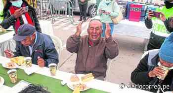 Huancayo: Policías de tránsito sorprenden a ancianos por el Día del Padre - Diario Correo