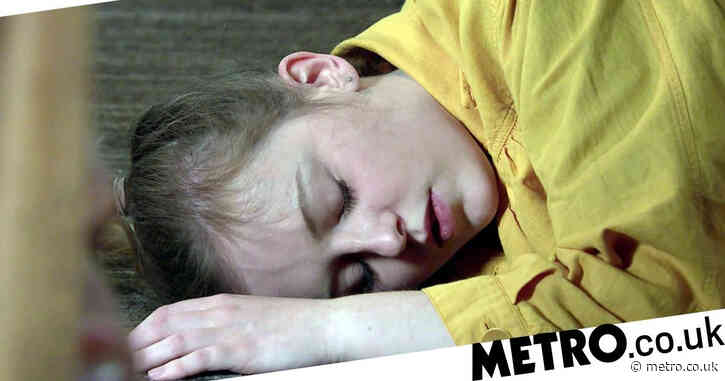 Coronation Street spoilers: What is wrong with Summer as she collapses?