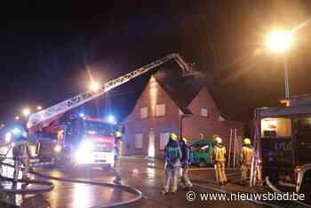 Brand na blikseminslag op huis (Sint-Gillis-Waas) - Het Nieuwsblad