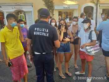 Le mascherine tutta l'estate? Il sindaco di Capri dice sì. Fortemente perplesso il presidente degli albergatori - Telecaprinews