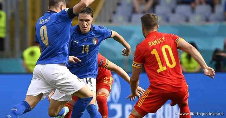 Italia-Galles 1-0, gli azzurri in vantaggio all'intervallo: un gol di Pessina decide un primo tempo difficile – diretta