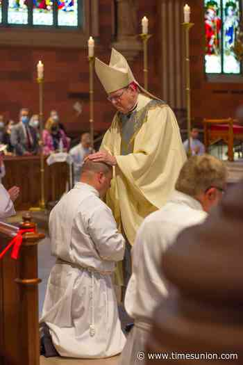 Albany's bishop won't publicly deny communion to politicians backing abortion, spokeswoman says