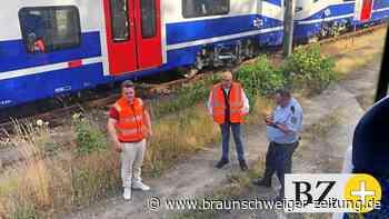 Zug streift Auto nahe Braunschweiger Hauptbahnhof