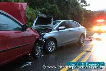 Carros colidem na serra que liga Pomerode a Jaraguá do Sul - Jornal de Pomerode