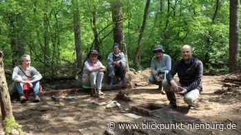 "Denkmal ""Russenlager"" im Rehburger Forst wird erforscht - blickpunkt-nienburg.de"