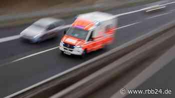 Drei Schwerverletzte bei Unfall auf der A111 - Autobahn bei Hennigsdorf stundenlang gesperrt - rbb24