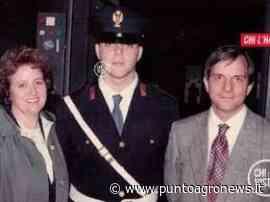A San Valentino Torio una fiaccolata in memoria di Giuseppe Crispo, il poliziotto morto con un colpo di pistola alla testa a 19 anni - Punto Agro News.it