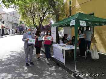 """""""Non vogliamo le fonderie Pisano a Buccino"""". Raccolta firme in tutta la Valle - Italia2TV"""