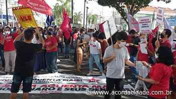 Manifestantes realizam nova manifestação contra o governo Bolsonaro em Feira de Santana - Acorda Cidade