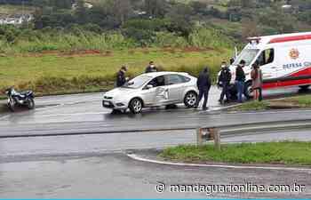 Carro e moto colidem em trevo de Jandaia do Sul - Mandaguari Online