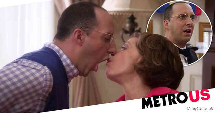 Arrested Development's Tony Hale on filming 'twisted' and 'crazy' scenes in show: 'I'll never forget doing that'